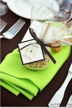 Green wedding table idea
