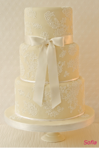 pale yellow tiered wedding cake